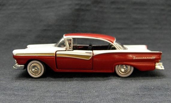 La pasión por los autos de colección lleva a formar importantes colecciones. Mirá: