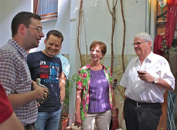 Die Sozialdemokraten gratulieren Ursula und Bernd Deuster zum Ehrentag.