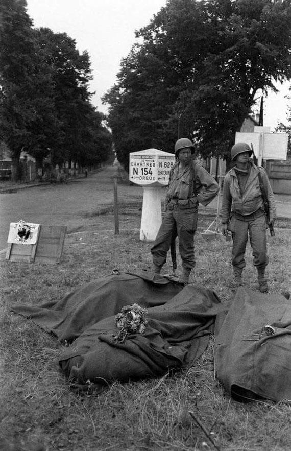 Photo prise par un reporter de life magazine après l'embuscade le 16/8/1944