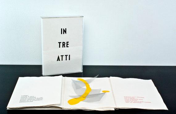 il cofanetto e il libro a fogli sciolti
