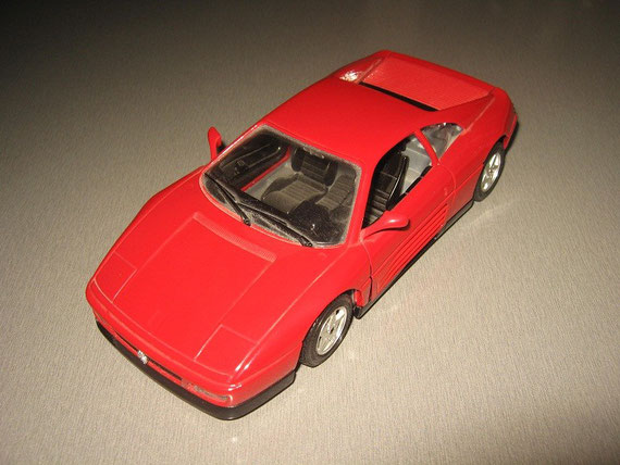 Ferrari 348 tb 1/24 scale model by Bburago