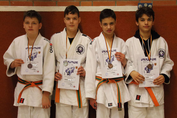 Simon, Jonas, Mirco, Felix