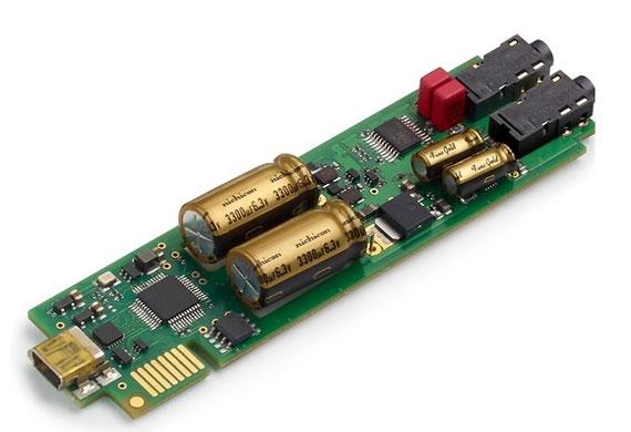 16core/100MIPSのXMOS社の高速DSPを搭載したデジタル回路とオーディオ専用コンデンサーを使った電源回路とアナログ回路部が整然とレイアウトされた6層基板。クラスを超えた音質を支えているのは、ハイエンドメーカーならではの高度なノウハウだ。