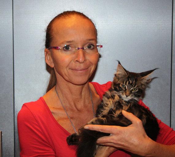 Blixi hat das große Glück, mit ihrer Schwester Beskaya, zu einer ganz lieben Familie zu ziehen. Wünsche Dir, meine liebe Blixi (Wirbelwind) ein gesundes und langes Leben.
