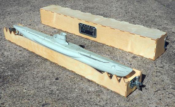 Modell-Uboot Typ VIIc im Koffer