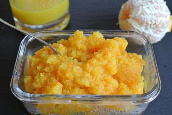 Leckere Reste von der Sirupherstellung aus Orangenschalen