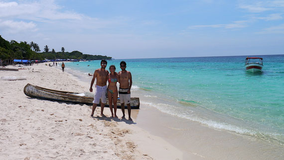 Dingo, Fudgie and Juan Boy on Playa Blanca (near Cartagena), Colomiba