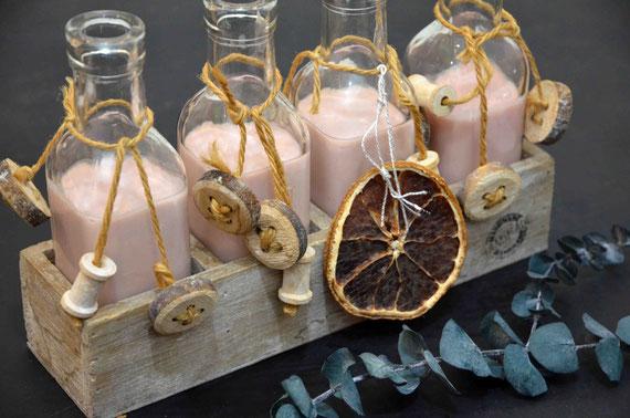 Perfekt zum Teilen, Verschenken und selbst Genießen: Schnell gemachter Sahnelikör mit winterlichen Gewürzen. Ideal zur Weihnachtszeit.