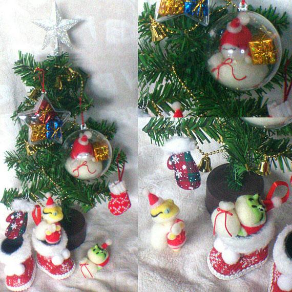 トカゲとカエルと金魚のサンタがいるマニアックなクリスマスツリー