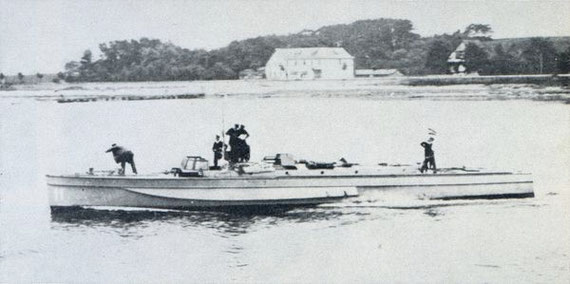 """Versuchsboot """"Lür"""" – Bild aus Fock: """"Schnellboote Bd. 1"""""""
