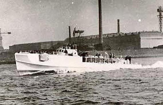 """""""S153"""" im Hafen von Rotterdam - Foto: Archiv Kloetzke"""