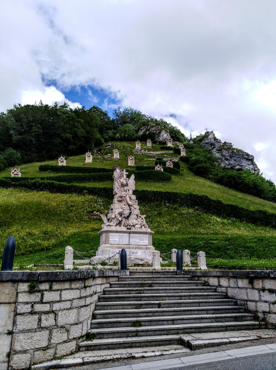 SOMBACOUR, Mont-Calvaire