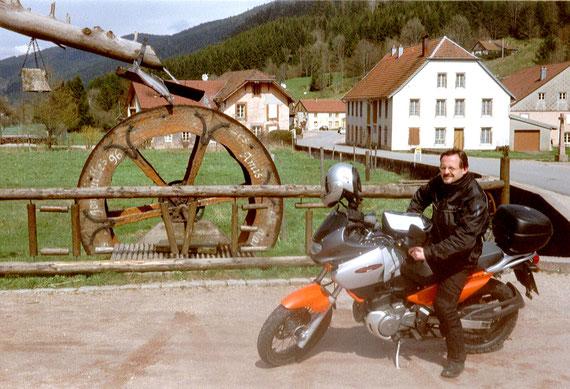 SUZUKI Freewind (Forêt Noire 2001)