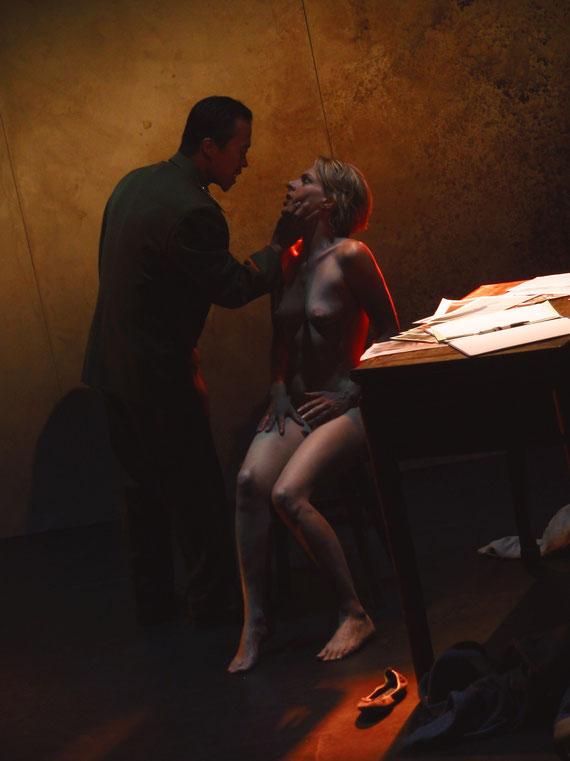 """Véronique PICCIOTTO et Anatole THIBAULT dans """"A NU"""" Mise en scène Marc SAEZ"""
