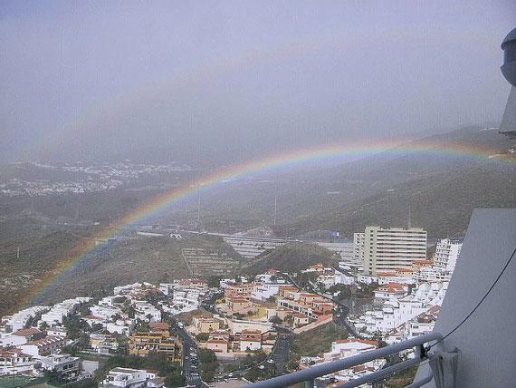 Regenbogen vom Balkon aus bewundern oder aus dem Fenster der Küche.