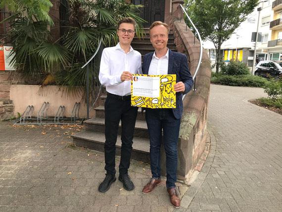 Till Hermanns besucht Jan Metzler in dessen Bürgerbüro in Worms. Beide motivieren zum Mitmachen für die aktuelle, noch laufende Bewerbungsrunde. Foto: Büro Jan Metzler