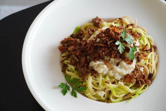Pasta mit Blumenkohl-Hacksauce I clean & schnell zubereitet