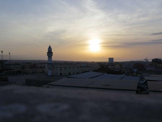 Vue de la ville de Djibouti, à la tombée du jour