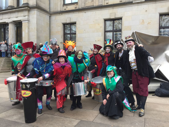 32. Bremer Karneval 2017 - Sambagruppe Red Hot Knipp Bremen