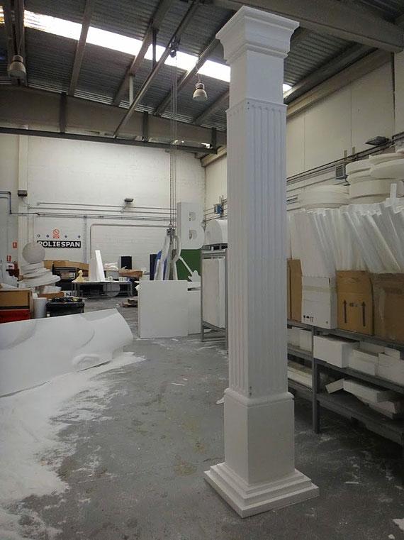 Columna tallada en poliespan de alta densidad. 3,20 m de altura. Mecanizados de Poliespan > www.corporeos.com