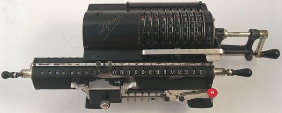 LIPSIA  modelo 9, s/n 17573, capacidad 9x8x13, distribuida en España por Otto Herzog, año 1930, 42x14x12 cm