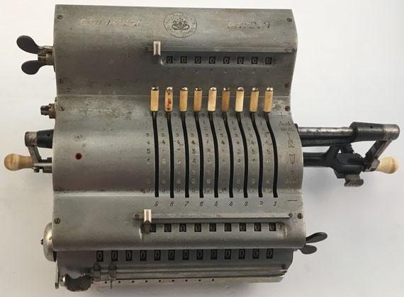 BRUNSVUGA TRINKS, modelo J, Grimme, Natalis & Co, C.G. Auf Actien, Braunschweig, s/n 25882, año 1907, 43x23x17 cm