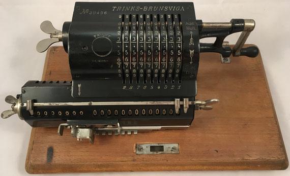 BRUNSVUGA TRINKS, modelo B, Grimme, Natalis & Co, Braunschweig, s/n 39496, capacidad 9x8x13, año 1905, 37x17x13 cm