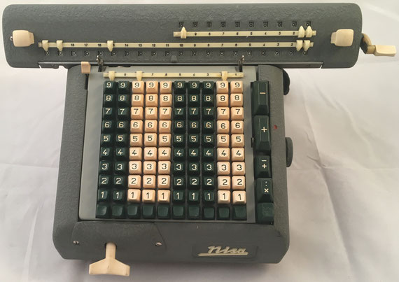 NISA modelo PK1 eléctrica, s/n K1-01767, TPF 843-17-58, hacia 1966, medidas: 36x27x16 cm