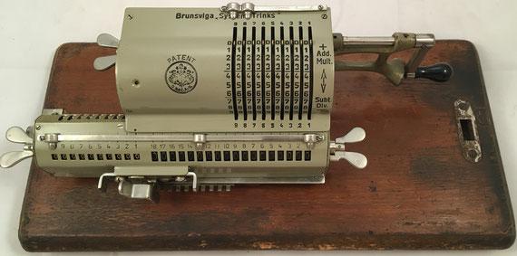 BRUNSVUGA SYSTEM TRINKS, modelo MA, Grimme, Natalis & Co, s/n 71186, capacidad 9x10x18, año 1910, 32x11x10 cm