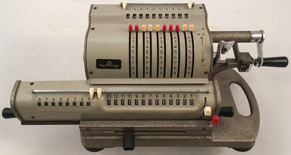 M. J. ROOY, s/n 14554, año 1955, distribuida por Steiner Calculator, Milán (Italia), 40x16x15 cm