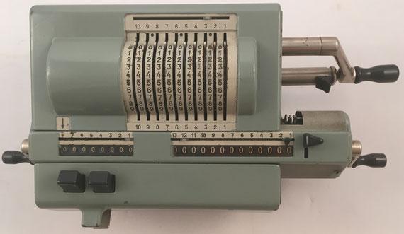 ORIGINAL ODHNER modelo 227, s/n 227-821120, año 1955, 37x18x13 cm