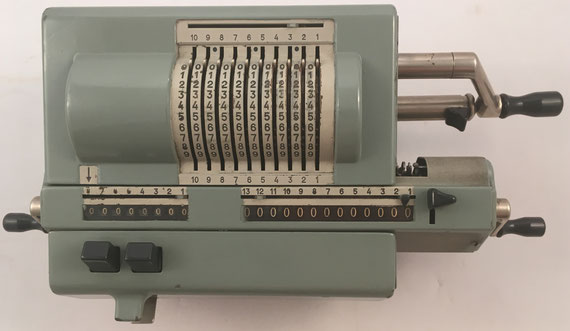 ORIGINAL ODHNER modelo 227, s/n 227-821120, capacidad 10x8x13, año 1955, 37x18x13 cm