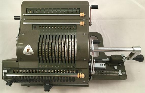 BRUNSVUGA 20, Brunsviga-Maschinewerke, A-G, Braunschweig, s/n 280936, capacidad 12x11x20, distribuida por V. Guillamet, año 1955, 41x22x18 cm