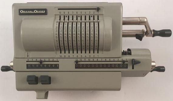 ORIGINAL ODHNER modelo 227, s/n 227-910975, capacidad 10x8x13, año 1955, 37x18x13 cm