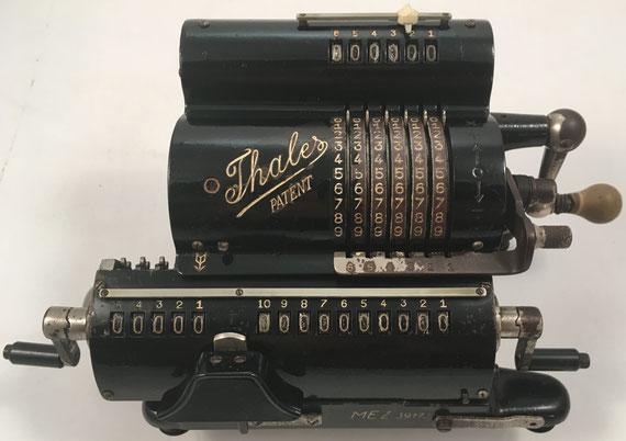 THALES MEZ(2.), s/n MEZ-39173, fabricada por Thaleswerk, Rechenmaschinen-Spezialfabrik G.m.b.H. in Rastatt (Baden), año 1938, 26x13x12 cm