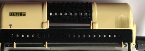 Calculadora mecánica ALPINA
