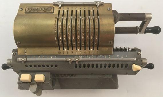 ORIGINAL ODHNER modelo 127, s/n 127-682918, capacidad 10x8x13, año 1948, 35x15x12 cm