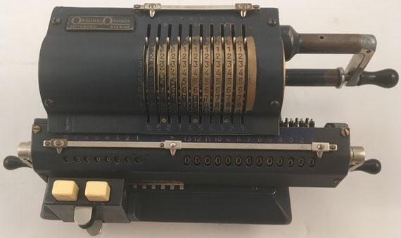ORIGINAL ODHNER modelo 107, s/n 107-504422, capacidad 10x8x13, año 1948, 35x16x12 cm