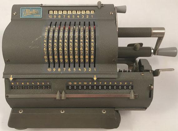 MULTO ADDO modelo 3, s/n 62997, fabricada por A.B. ADDO en Malmö (Suecia), año 1949, 32x16x12 cm
