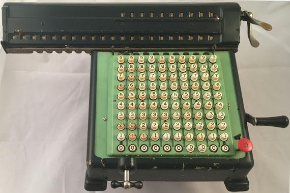 MONROE, s/n 388973, hacia 1920, 45x33x20 cm
