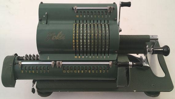ROKLI modelo 7R, s/n 13129, año 1956, distribuida por Robert Kling Wetzlar G.M.B.H. (Alemania), 35x16x15 cm