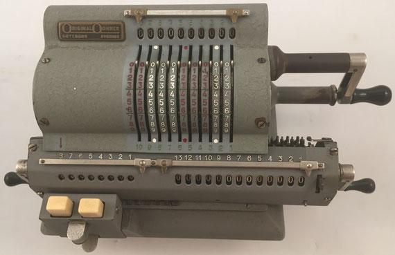 ORIGINAL ODHNER modelo 137, s/n 137-723838, capacidad 10x8x13, año 1951, 35x16x12 cm