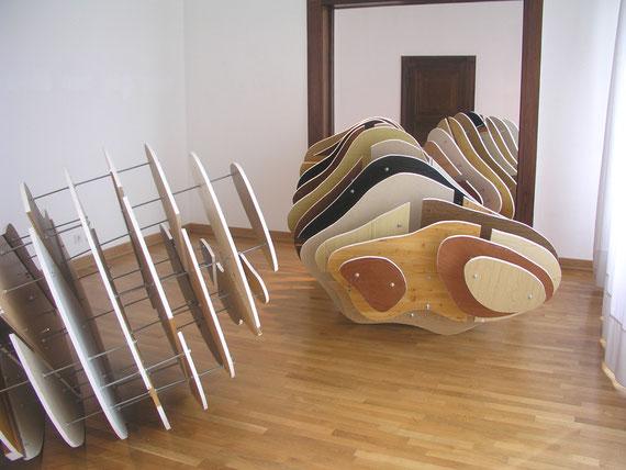 o.T. (Museum Baden), Holzplatten,Gewindestangen, 167x 800x350cm