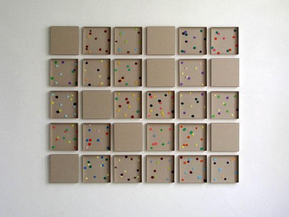Pixel, Karton, Knetmasse, 106x128x3 cm