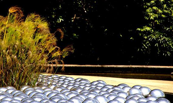 Narcissus Garden Inhotim (2009) Yayoi Kusama