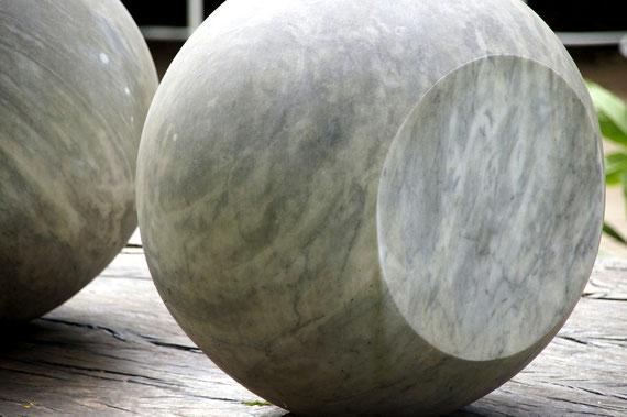 Escultura para todos os materiais não transparentes, Waltercio Caldas