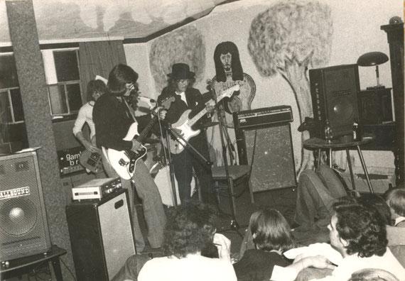 """Auftritt der Gruppe """"Gamblin' Brain"""" 1975 im Schlachthof"""