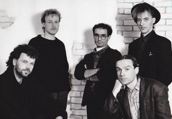 ... den Bahar Caz gewonnen hatte (inkl. einer Fotosession) - Bandfoto 1994