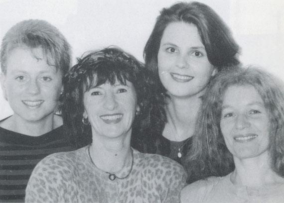 Angela Michaelis (voc, b), Henrica Westenberger (voc), Cordelia von Gymnich (voc), Ruth Eichhorn (voc, g)