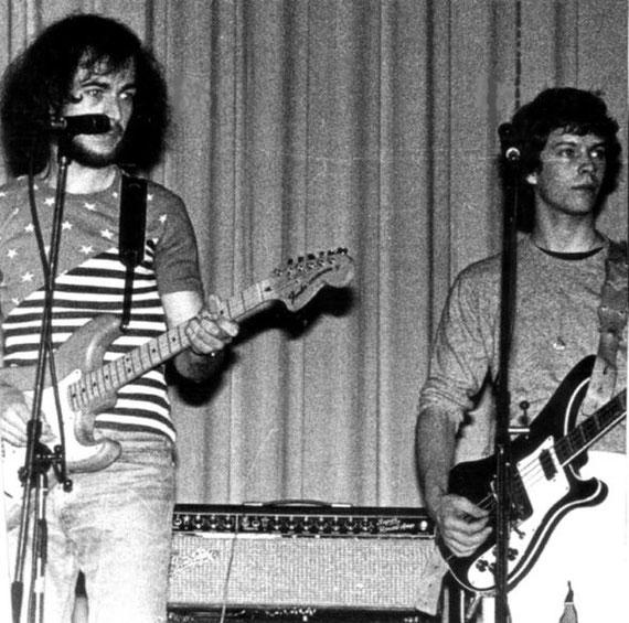 In den 70ern noch selbst am Bass: Jörg Bombach (rechts, links: Uli Betten)